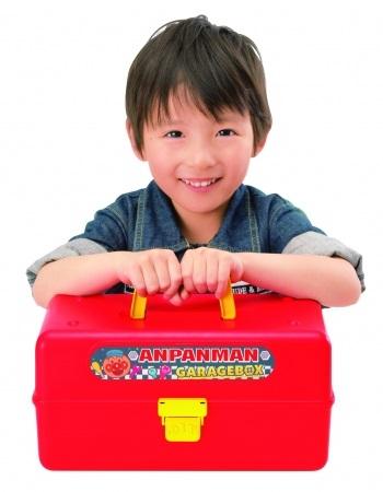アンパンマンくみたてDIYシリーズから『アンパンマン くみたてDIY ひらいて整備だ!ねじねじガレージボックス』が10/31(木)発売!