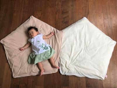 赤ちゃんの寝汗対策に『ぐっすり座布団専用さらさらニットカバー』が新登場!