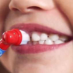 """話題!歯をみがくとポケモンGET! """"ポケモン×ブラウン オーラルB"""" 子供用電動歯ブラシ『すみずみクリーンキッズ』"""