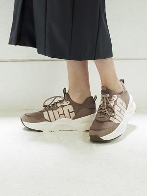 "「 UGG × emmi ( アグ×エミ) 」""CA805 Zip"" ""LA Daze"" ""Neutra Sneaker"" 8/8(土)発売!"