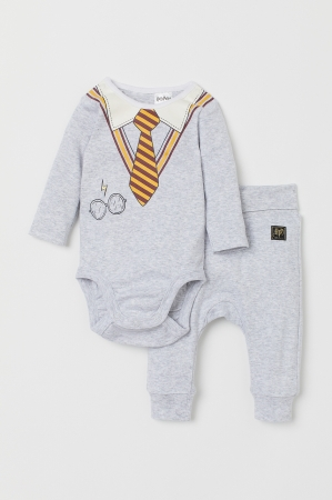 「H&M × ハリー・ポッター」カプセルコレクション発売!